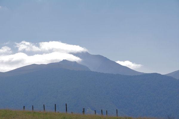 Le Pic d_Orhy dans les nuages depuis le Col d_Oraaté