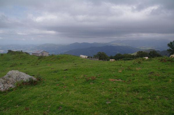 Cabanne de berger sous le Pic d_Orisson