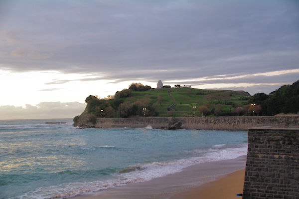 La Pointe de Ste Barbe dans la baie de St Jean de Luz