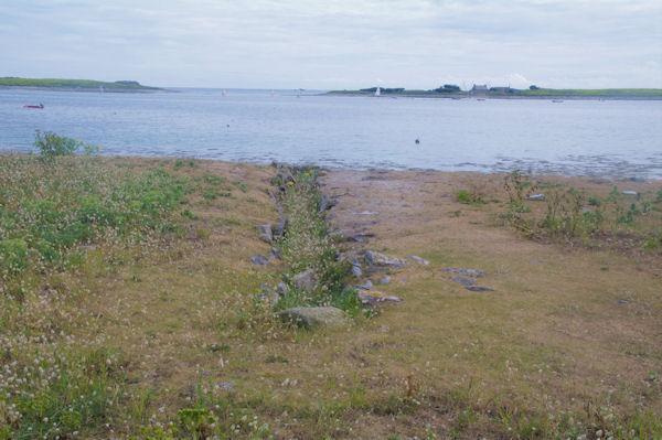 Un ancien canal pour le séchage des algues