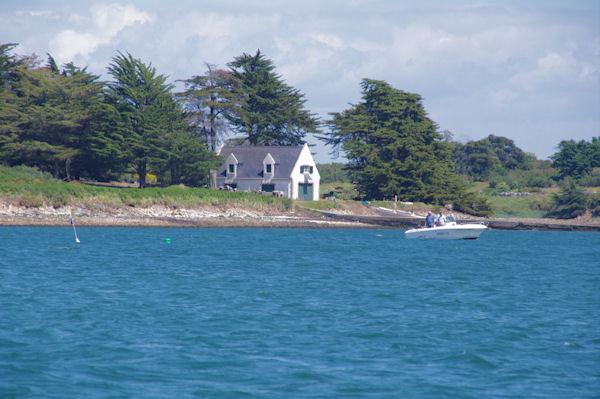 Jolie maison sur l_Ile aux Moines dans le Golfe du Morbihan
