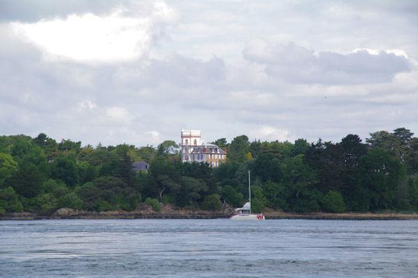 Jolie maison de maitre sur l_Ile de la Jument dans le Golfe du Morbihan