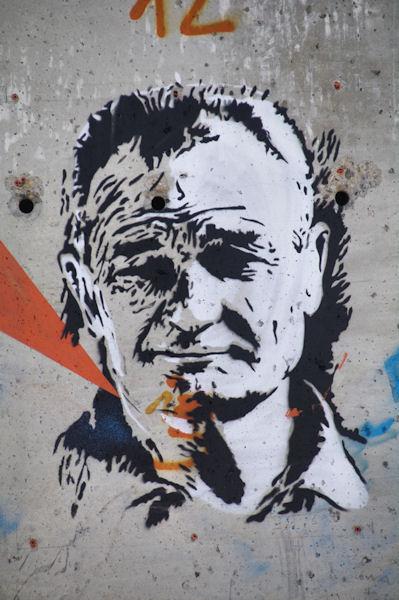 Très beau graffiti d_Eric Tabarly