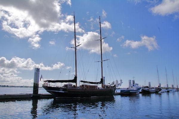 Vieux grément au Port de Kernével de Lorient