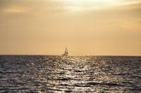 Le soleil se leve au large de Belle Ile