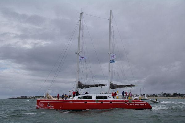 Il y a du monde sur le catamaran Guyane!