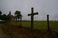 Le Calvaire de Noailhac, croix 12, et la Chapelle St Roch