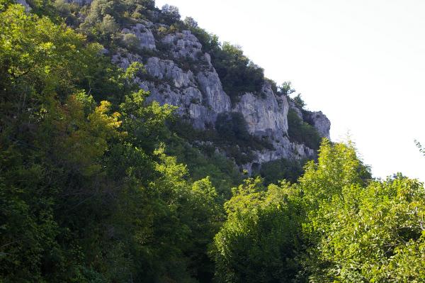 Les falaises de la vallée du Lot avant Pasturat
