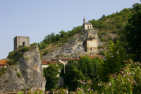 Vue de la Chapelle de Laroque des Arcs depuis la rive gauche du Lot