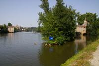 Une ecluse de contournement de barrage a Cahors