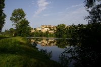 Vue de Savanac depuis la rive gauche du Lot