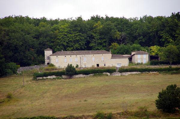 La Tour près de Rouillac depuis le GR65