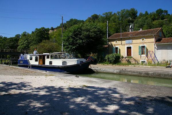 L&#39écluse d&#39Espagnette sur le Canal Latéral à la Garonne