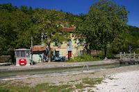 L&#39ecluse du Petit Pezy sur le Canal Lateral a la Garonne