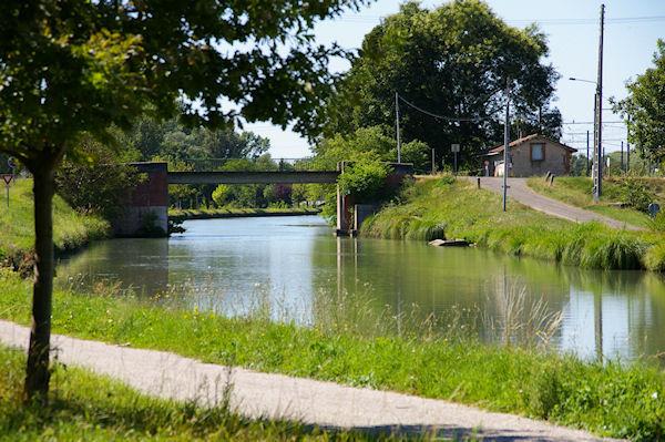 Le Pont de St Jean sur le Canal Latéral à la Garonne