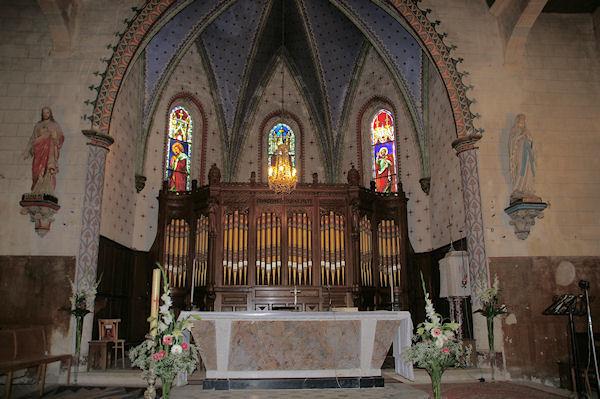 L&#39Eglise de Marsolan, un orgue grandiose dans le Choeur