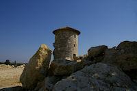 Un moulin restaure au dessus de Cauboue