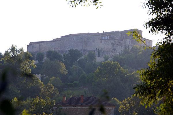 L&#39Hopital de Lectoure bati sur les fondations du Château des Comtes d&#39Armagnac