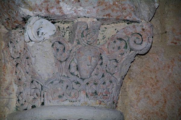 Un chapiteau dans la chapelle Ste Germaine près de Le Baradieu