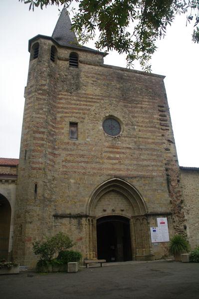 La cathédrale Saint-Jean-Baptiste à Aire sur l_Adour