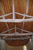 La toiture en forme de bateau renverse de l'eglise de Sensacq