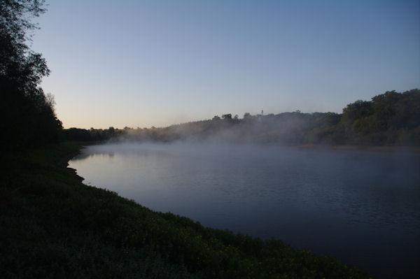 Un petit lac sur l_Arriou près d_Arzacq Arraziguet