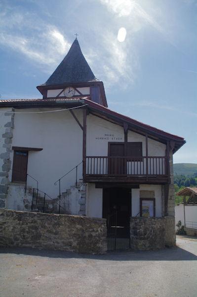La mairie - église de Gamarthe