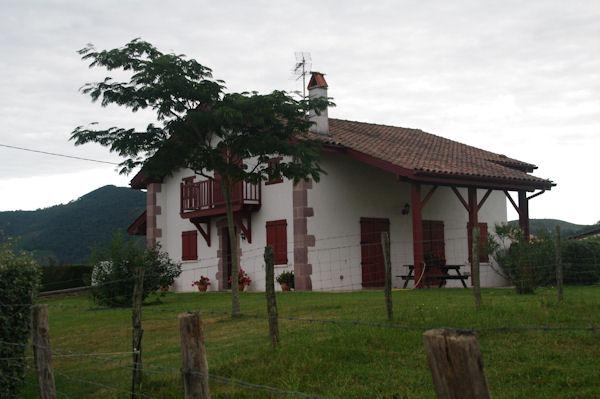 Maison basque à St Jean le Vieux
