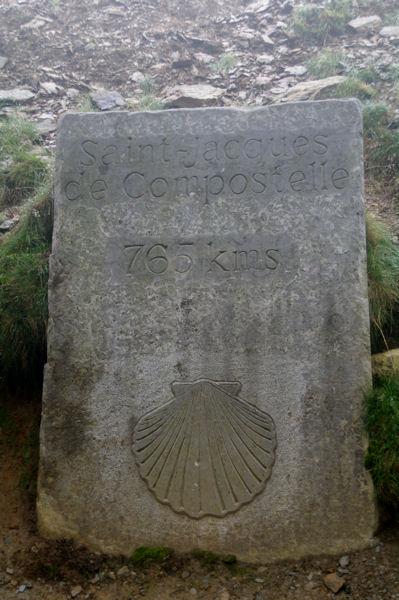 Borne Compostelle au Col de Bentarte