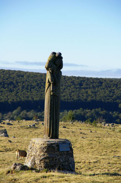 Notre Dame des Gentianes à la sortie d'Aubrac