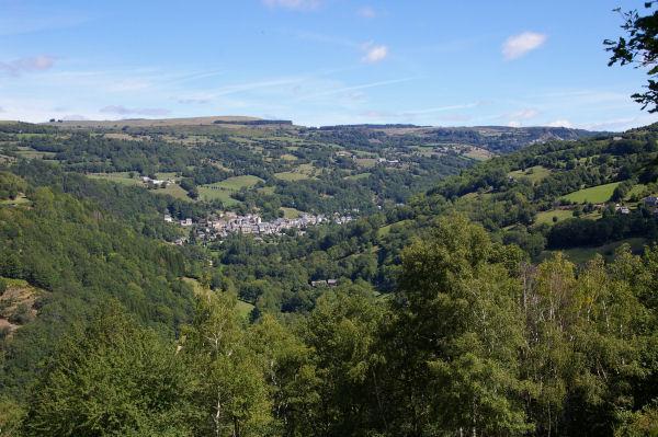 Vue sur la vallée de St Chély d'Aubrac