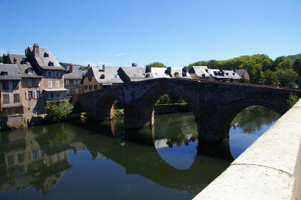 Le vieux pont sur le Lot à Espalion