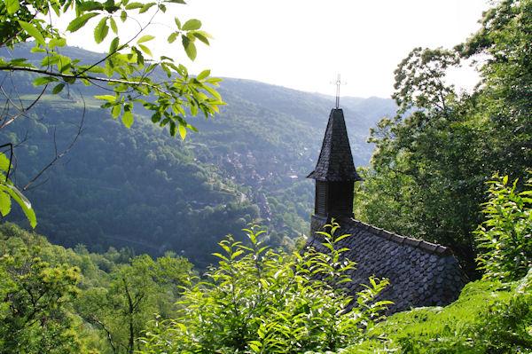 La chapelle Ste Foy, en face, Conques