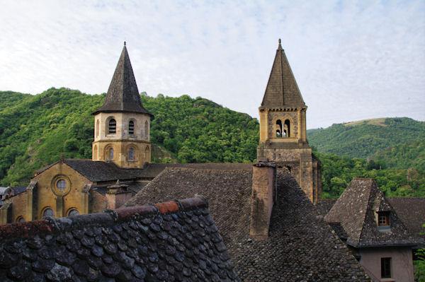 Les clochers de l_Abbatiale Ste Foy de Conques