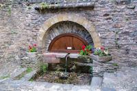 La fontaine du Plo a Conques