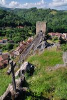 La Tour du Fort surmontant Aubin
