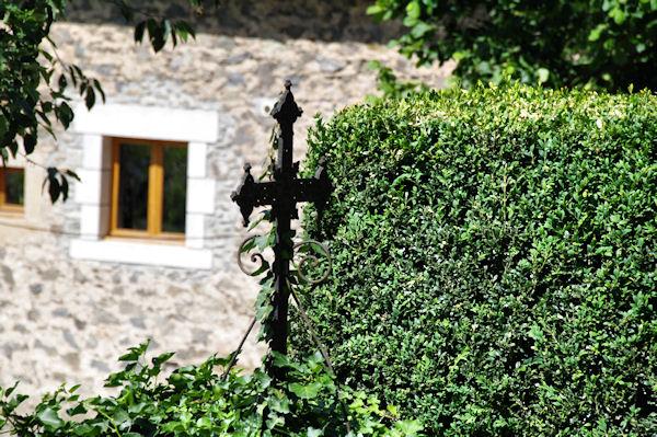 Une croix au Moulin du Fau