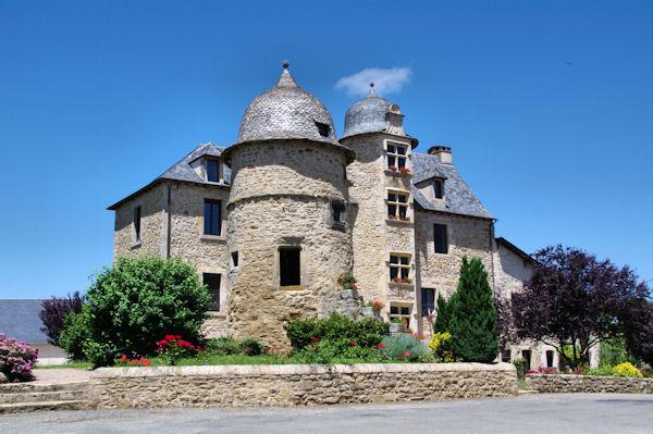 La mairie de Valzergues