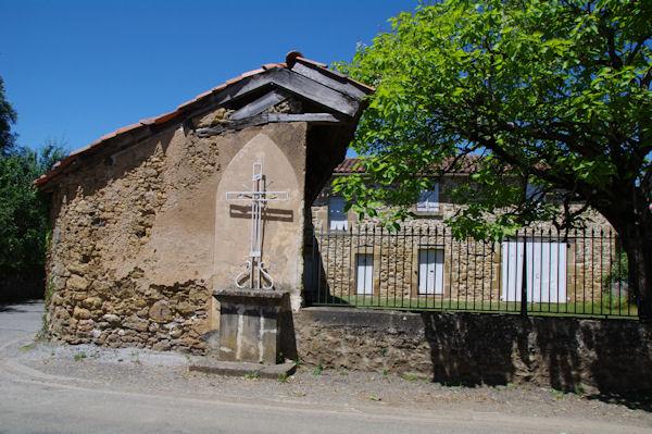Une croix à Valzergues