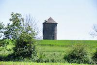 Un moulin vers Le Montet