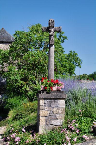 La Croix St Georges à Peyrusse le Roc