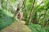 Des ruines vers La Buegne