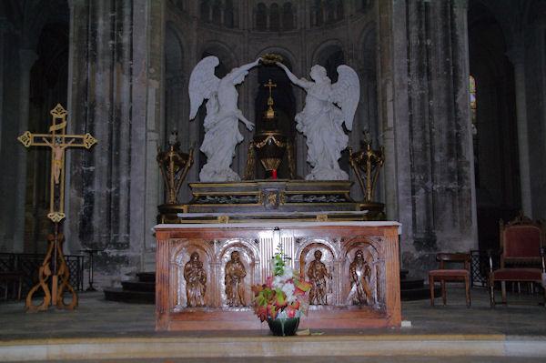 L_autel de l_église de l_abbaye St Michel à Gaillac