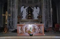 L'autel de l'eglise de l'abbaye St Michel a Gaillac