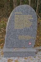 Stele en l'honneur des fusilles du Bois de la Reule