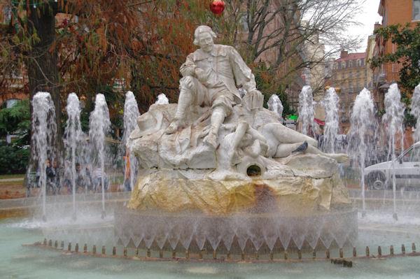 La statue de Goudouli place Wilson à Toulouse