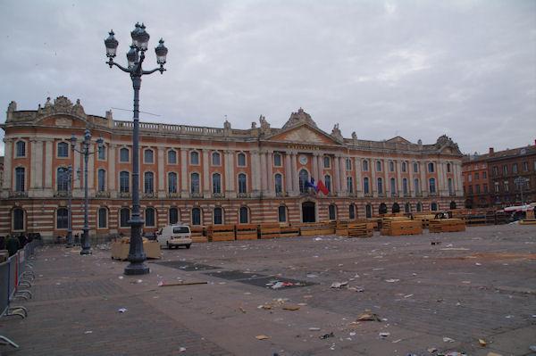 Place du Capitole, lendemain de fête…