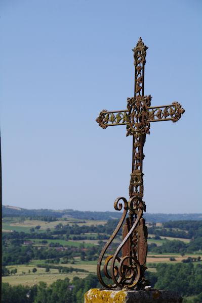 Une croix à Latour