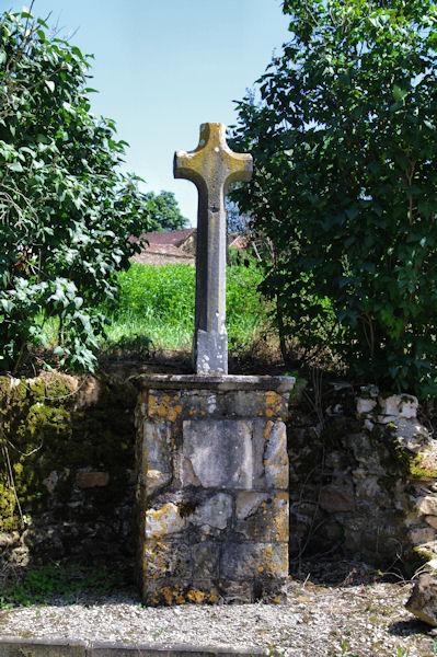 Une croix vers Farrou