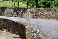 Une croix a Veuzac